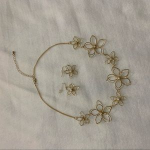 Jewelry - Flower gold wire adjustable necklace and earrings